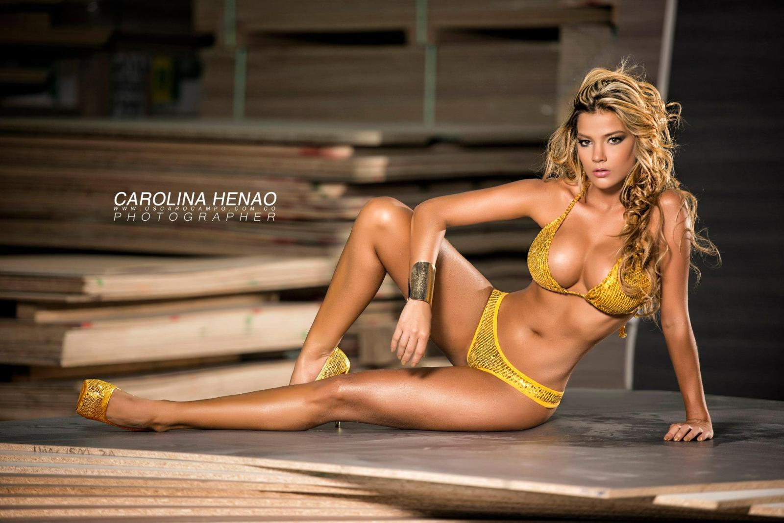 Carolina henao fotos modelo pegateya for Chicas en ropa interior sexi